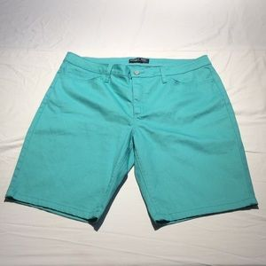 RIDERS BY LEE mid-rise bermuda new without tags!